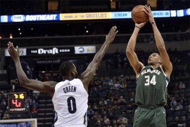 小詹皇重回NBA表现亮眼,客场拿下2连胜