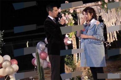 姜潮求婚麦迪娜,男方深情告白女方感动到一塌糊涂