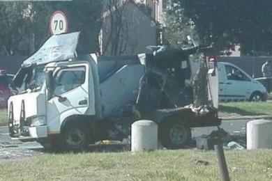 南非运钞车被抢,警方抓获5名嫌疑人