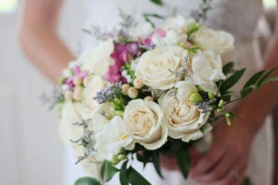 中国结婚率创新低,为何经济渐好人们却越不想结婚?