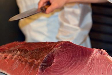 最贵金枪鱼310万拍卖售出,日本这家寿司店绝了