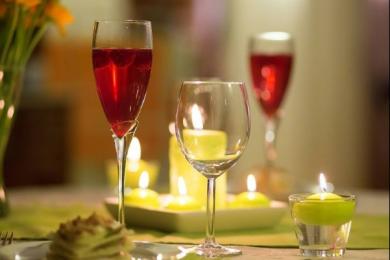 研究发现酒精对人脑有着全面削弱的影响
