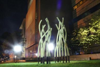 麻省理工学院展示酷似艺术品的机器人存在特殊作用