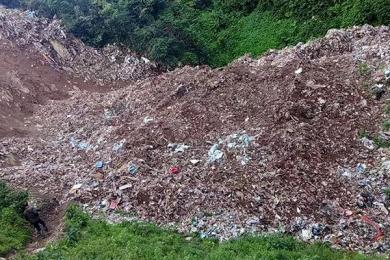 两位农村少年之死,在这之前,垃圾山从未被视为安全隐患