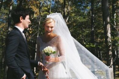 超模小KK宣布与男友结婚,晒照撒糖投食单身狗,感恩遇见幸福非常!