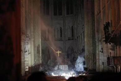 火灾后教堂内部图片曝光,主体结构得以保留