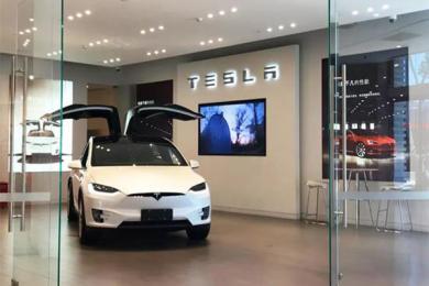 特斯拉剩22亿美元,马斯克对汽车安全缺乏敬畏之心?