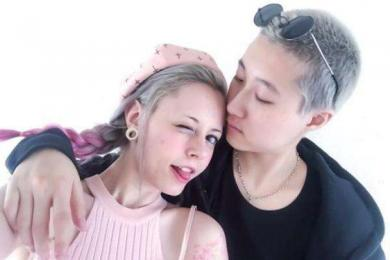 吴卓林带太太回母住所,确实没有物质的爱情连基本生活都得不到保障