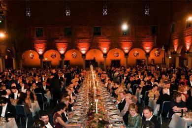 诺贝尔奖晚宴,场面觥筹交错华丽非常