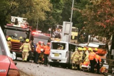 香港红磡4车相撞,一名司机重伤不治身亡