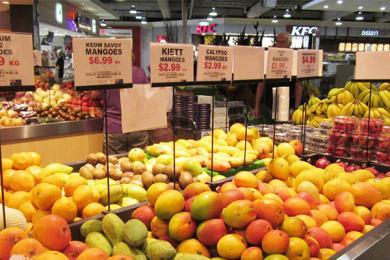 研究生开奔驰卖水果,为事业为生活充满拼劲