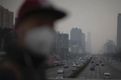 雾霾笼罩华北中南部,部分地区有重度霾
