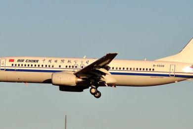 国航回应乘客霸座,航空延误受航?#23637;?#21046;和当地天气影响