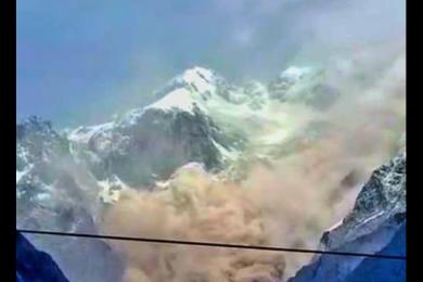 玉龙雪山发生山体崩塌,属正常地质变化未造成人员伤亡