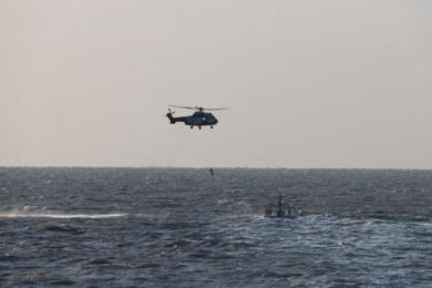 潍坊货轮沉没获救,搜救行动仍在继续中